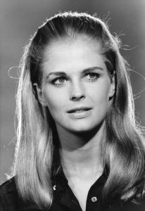 circa 1967: US actress and photojournalist Candice Bergen (1946 - ).
