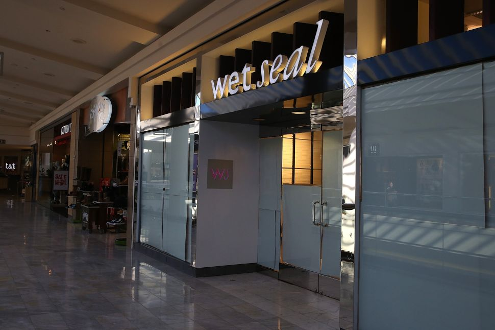 Wet Seal, a teen clothing retailer, announced that it has closed 338 of its retail stores and will lay off nearly 3,700 employees.