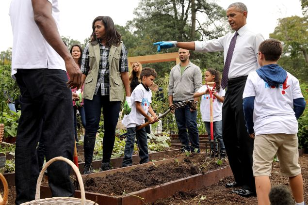Michelle Obama and Barack Obama in the White House Vegetable Garden.