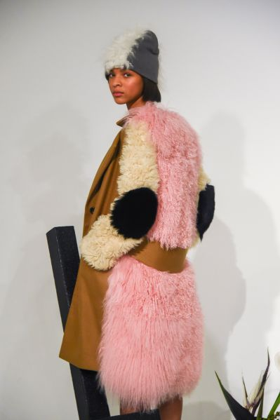 The designer kept her signature pastel pink in this Fall/Winter 2017 range.