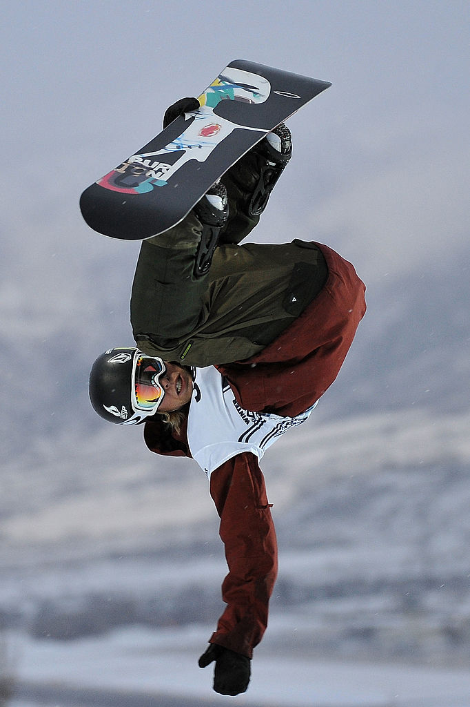 Kevin Pearce of Norwich, Vermont practices before the Men's Snowboard Superpipe elimination during Winter X Games Day 3 on Buttermilk Mountain on January 24, 2009 in Aspen, Colorado. (Photo by Jonathan Moore/Getty Images)