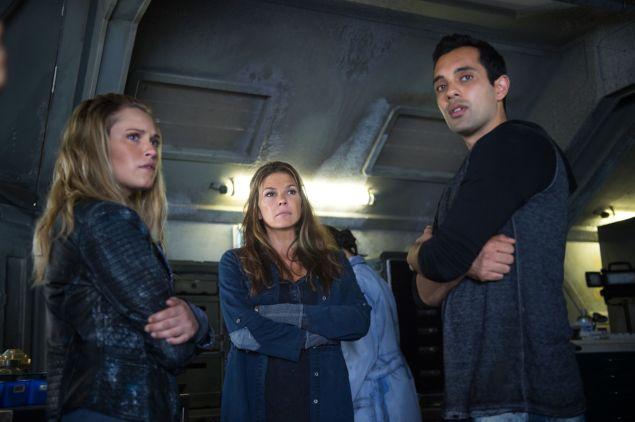 Eliza Taylor as Clarke, Paige Turco as Abby, and Sachin Sahel as Jackson.