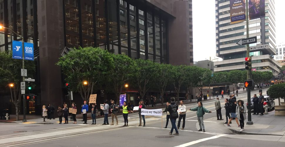 Jewish demonstrators at California and Montgomery Streets disrupted the morning rush in San Francisco.