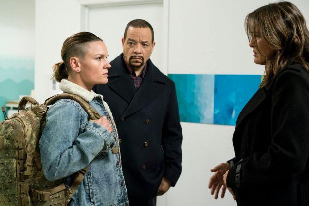 "Sarah Booth as Captain Beth Williams, Ice-T as Odafin ""Fin"" Tutuola and Mariska Hargitay as Olivia Benson."