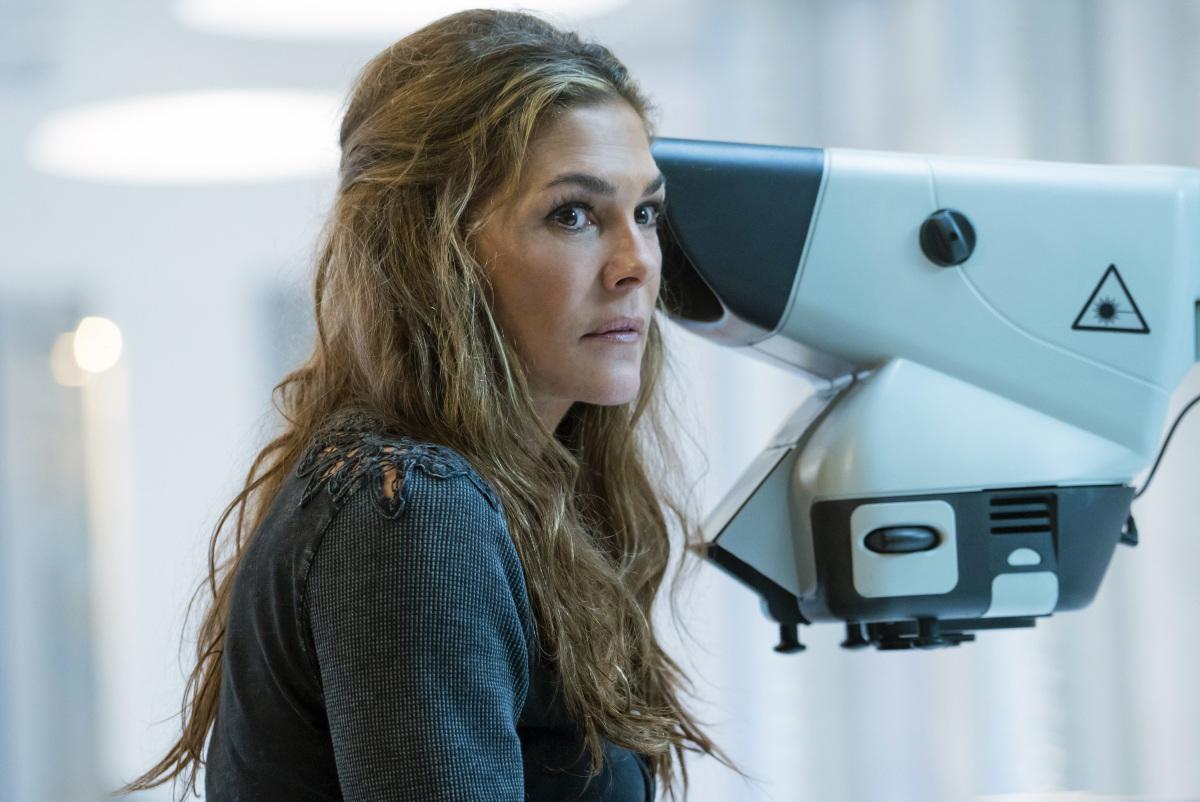 Paige Turco as Abby.