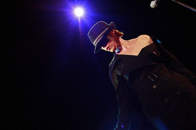 US singer Suzanne Vega performs in her show at a Sydney Theatre, 30 January 2008. The American singer is touring around Australia till 06 February. AFP PHOTO/Anoek DE GROOT (Photo credit should read ANOEK DE GROOT/AFP/Getty Images)