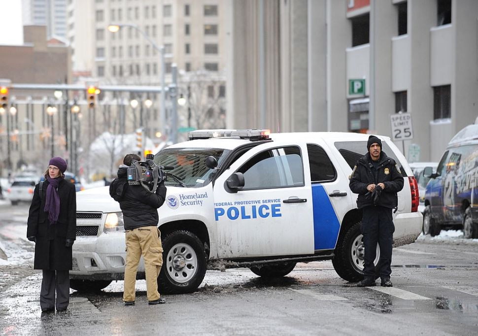 A Homeland Security police vehicle near Federal Court before a hearing for Nigerian bombing suspect Umar Farouk Abdulmutallab January 8, 2010 in Detroit, Michigan. Abdulmutallab is accused of trying detonate explosives on a Northwest flight from Amsterdam to Detroit on December 25, 2009. AFP PHOTO/Stan Honda (Photo credit should read STAN HONDA/AFP/Getty Images)