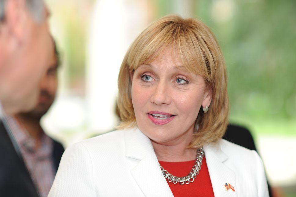 Kim Guadagno.