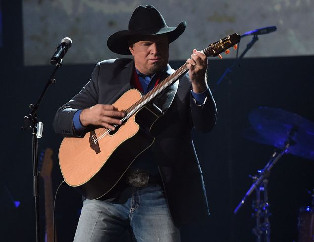 NASHVILLE, TN - OCTOBER 26: Inductee Garth Brooks performs during the Musicians Hall Of Fame 2016 Induction Ceremony & Show at Nashville Municipal Auditorium on October 26, 2016 in Nashville, Tennessee. (Photo by Rick Diamond/Getty Images)