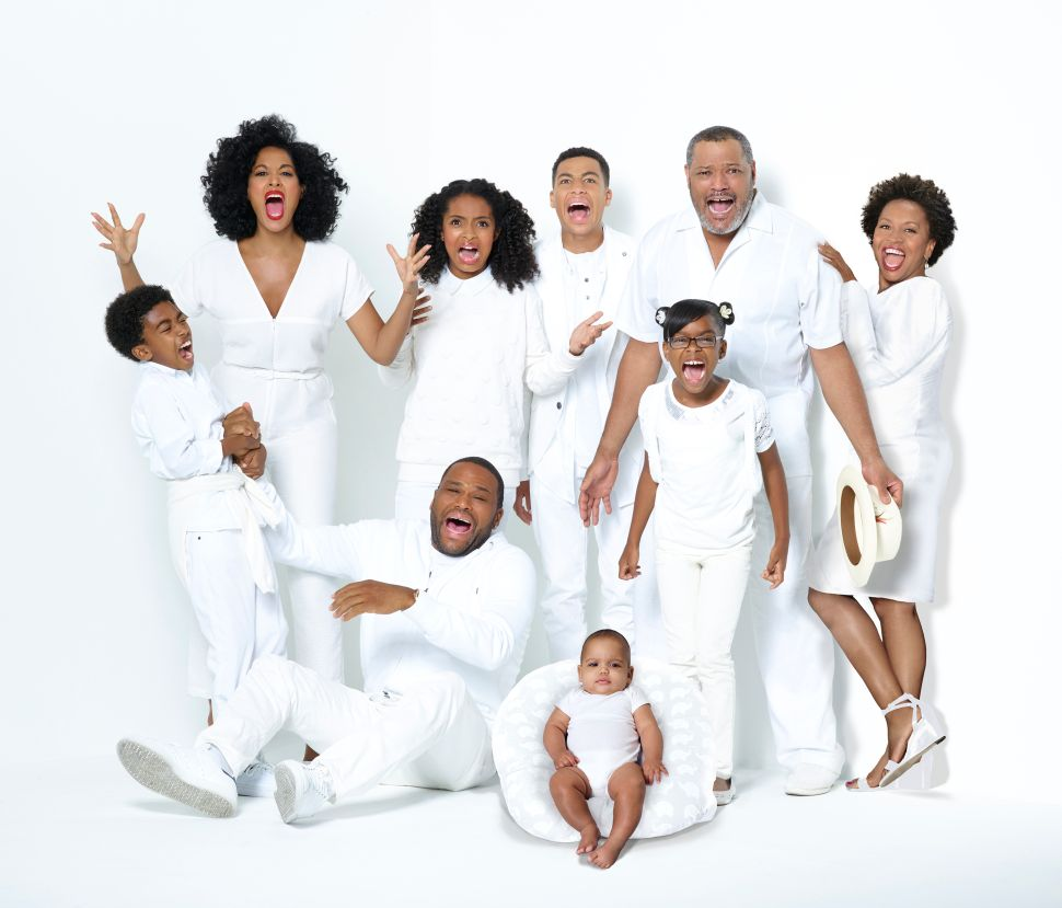 Black-ish live-stream Season 4 Premiere