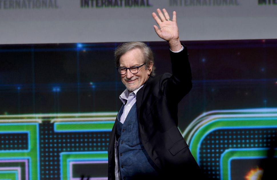 Apple Steven Spielberg info details