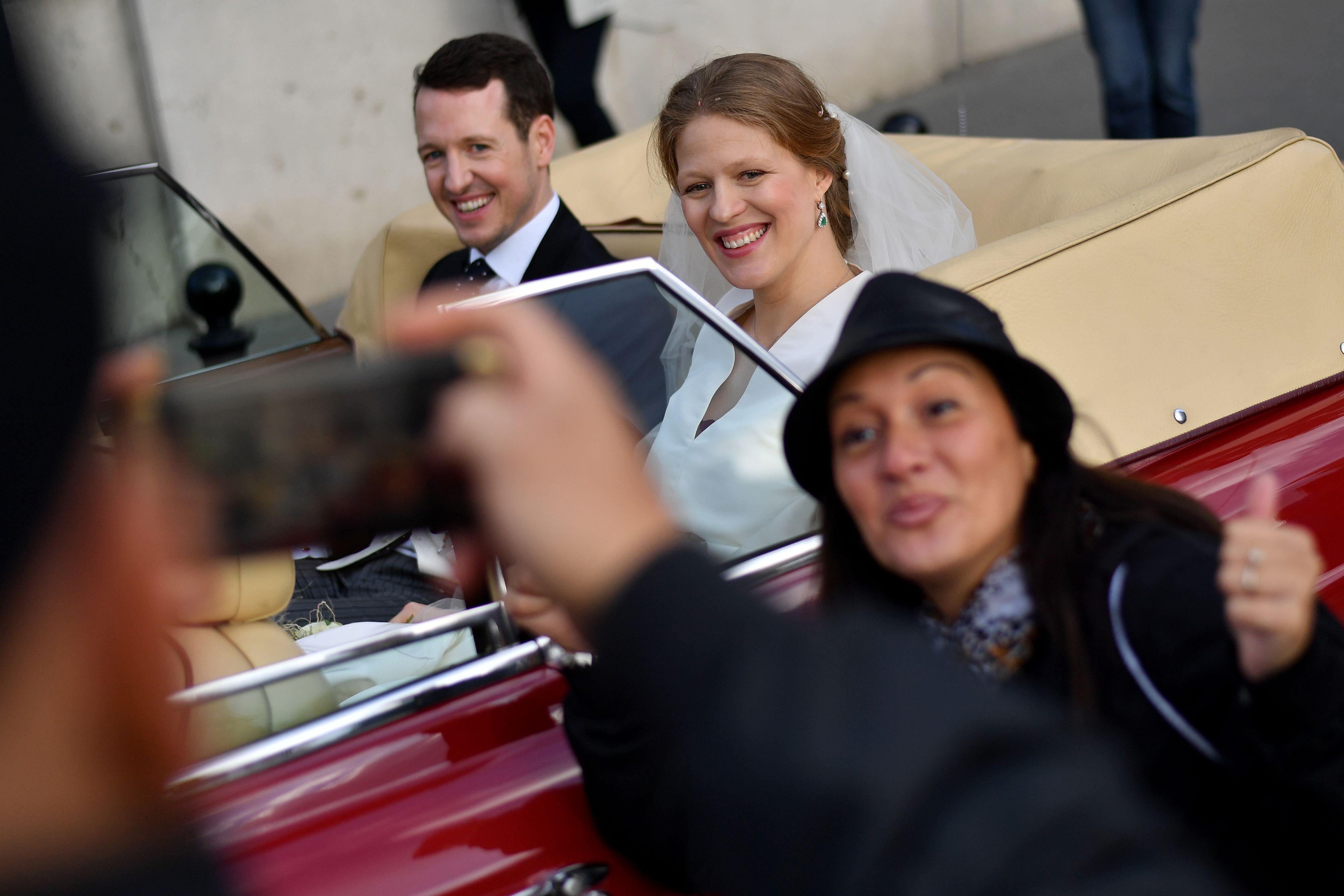 royal wedding selfie