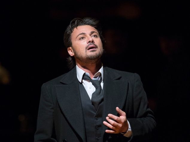 Tenor Vittorio Grigolo brings a touch of madness to 'Hoffmann'.