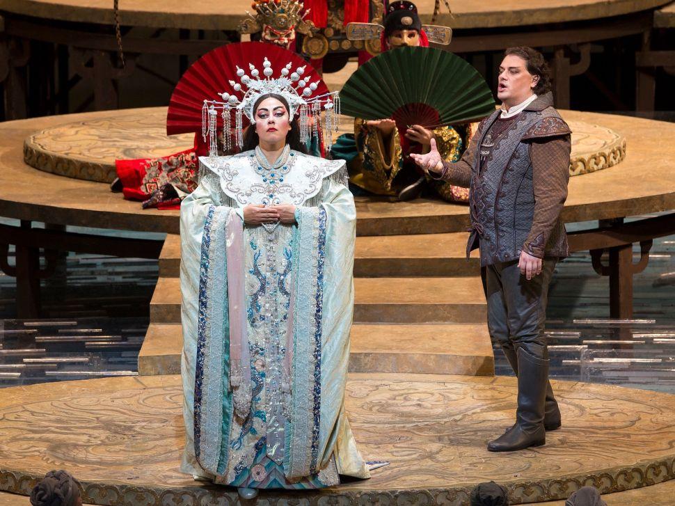 Princess Turandot (Oxana Dyka) challenges Prince Calaf (Aleksandrs Antonenko ).