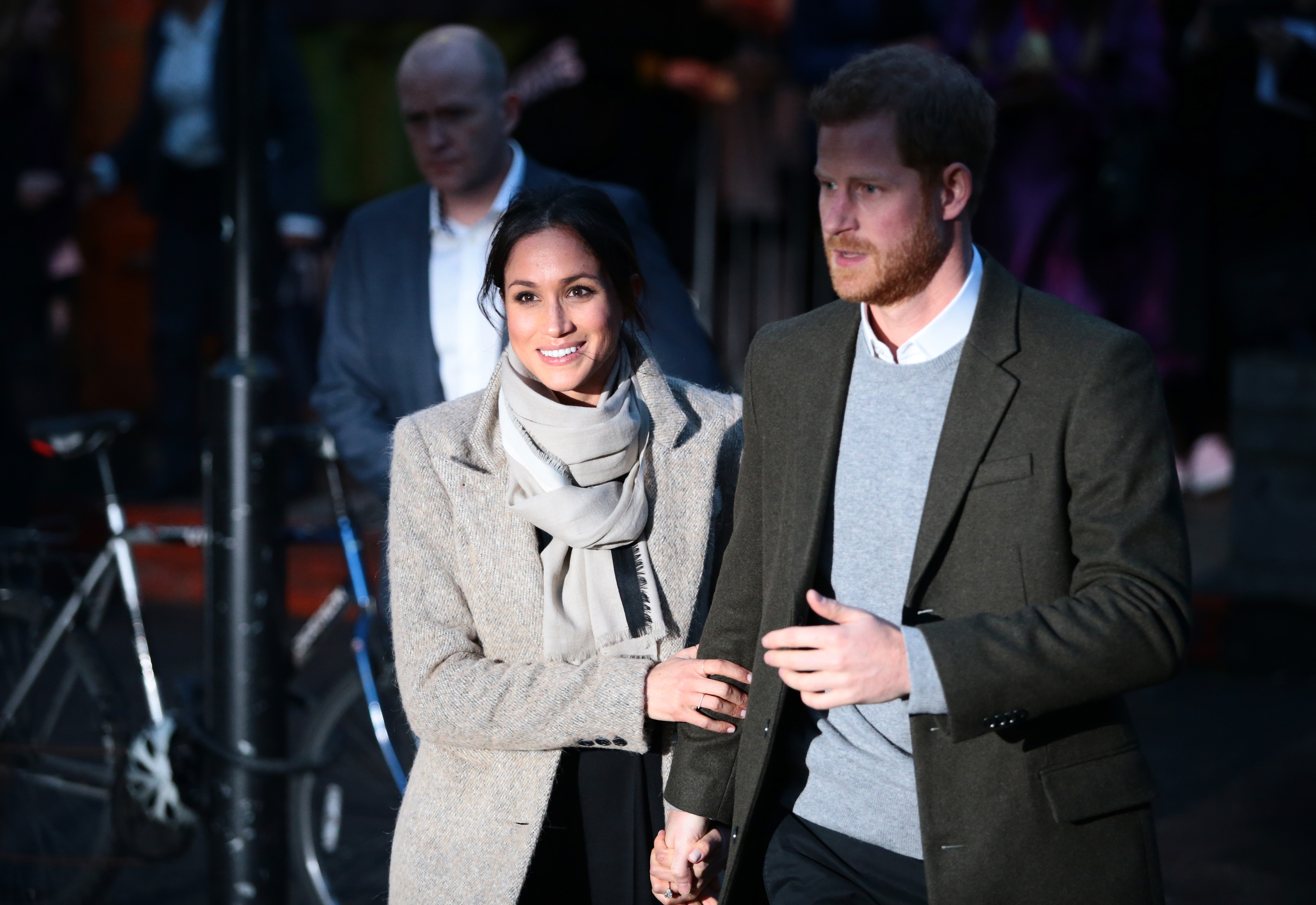 prince harry engaged to actress