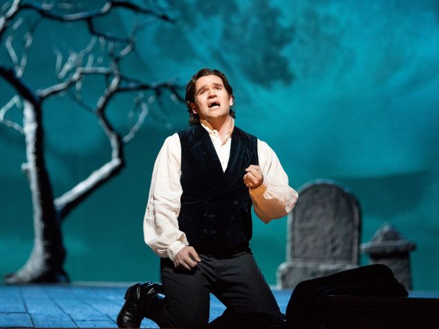Lovesick Edgardo (Michael Fabiano) entertains thought of suicide in 'Lucia di Lammermoor'.