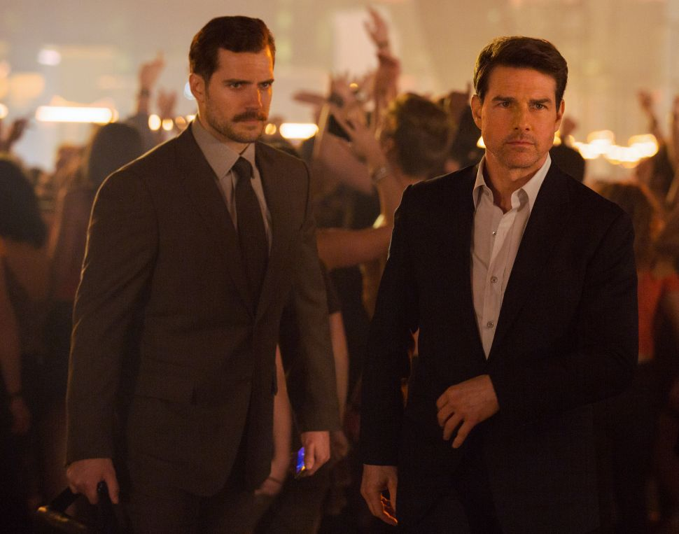 Left to right: Henry Cavill as August Walker and Tom Cruise as Ethan Hunt in MISSION: IMPOSSIBLE - FALLOUT,