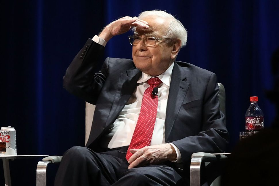 Warren Buffett buys $360 million of Indian startup Paytm