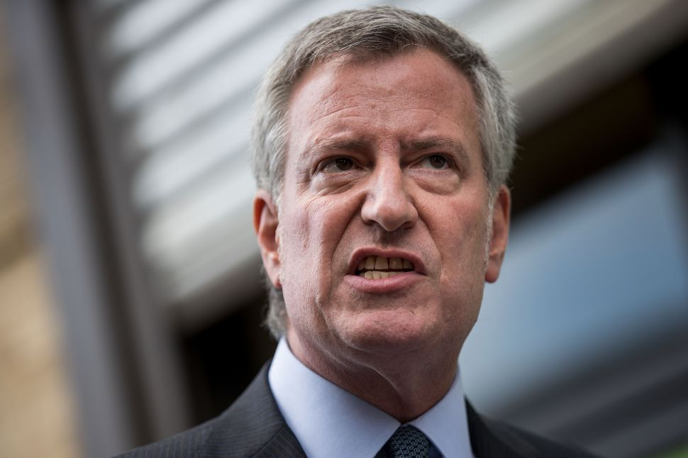Bill de Blasio thinks News Corp is ruining America, and he's not shy about saying so.