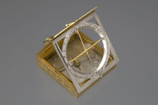 Equatorial travel sundial (1598)
