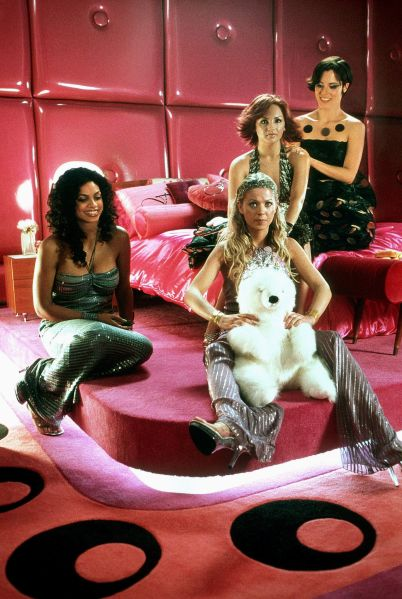 Tara Reid, Rachael Leigh Cook, Rosario Dawson and Parker Posey in Josie and the Pussycats.