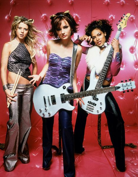 Tara Reid, Rachael Leigh Cook and Rosario Dawson in Josie and the Pussycats.