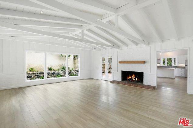 Julia Roberts Malibu beach house