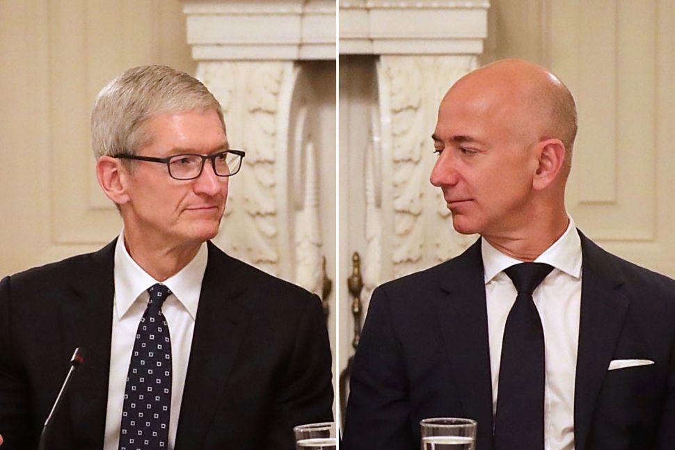 Tim Cook, Jeff Bezos