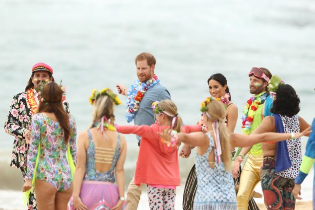 Prince Harry MEghan MArkle yoga Bondi Beach