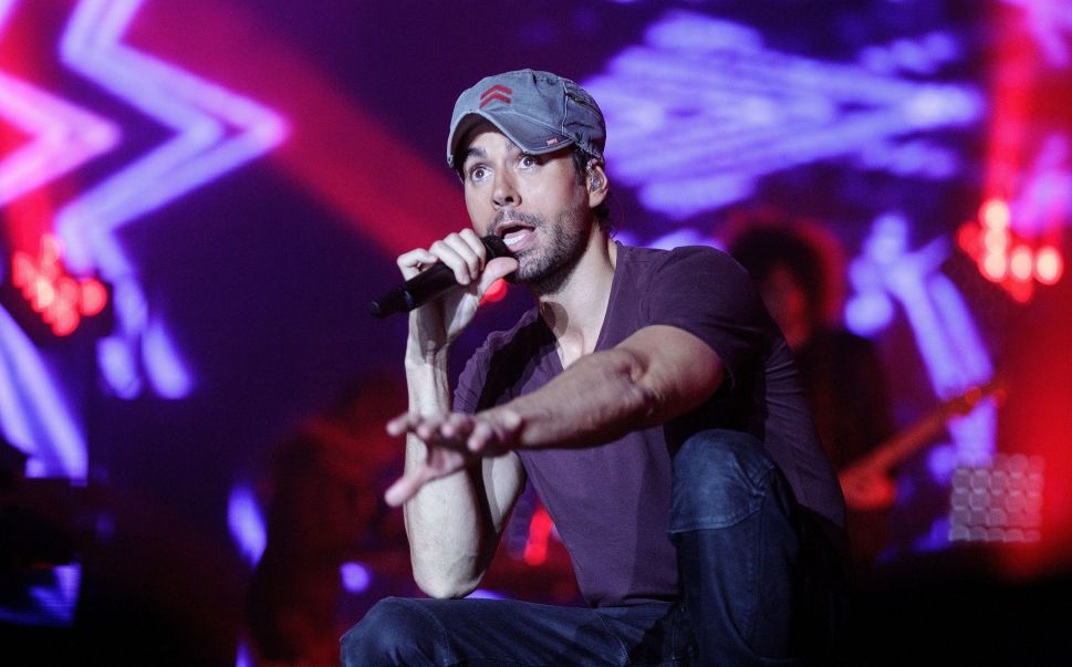 Enrique Iglesias is celebrating the fact that he's more popular than Donald Trump on Mexican Twitter.