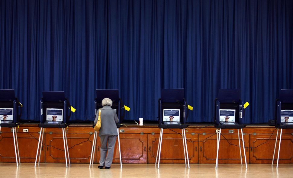 Today, most states use a combination of paper and electronic voting.