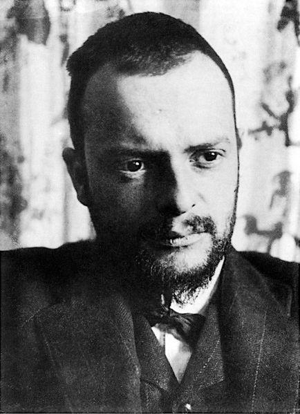 Paul_Klee photographed in 1911 by Alexander Eliasberg.