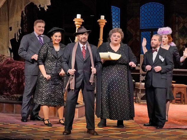 Perennial Plácido Domingo (center) plays 'Gianni Schicchi' for laughs.