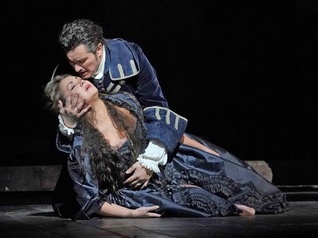 Adriana (Anna Netrebko) is finally reunited with Maurizio (Piotr Beczala).