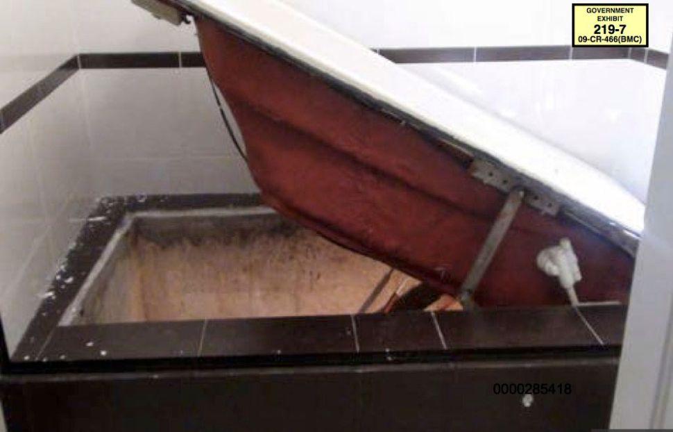 The bathtub tunnel that Chapo and Sanchez escaped through.