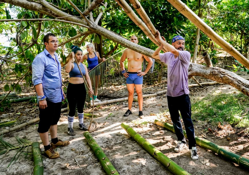 "Contestants Rick Devens, Wendy Diaz, Kelly Wentworth, Dan ""Wardog"" Dasilva and David Wright on the premiere of 'Survivor: Edge of Extinction' on CBS."