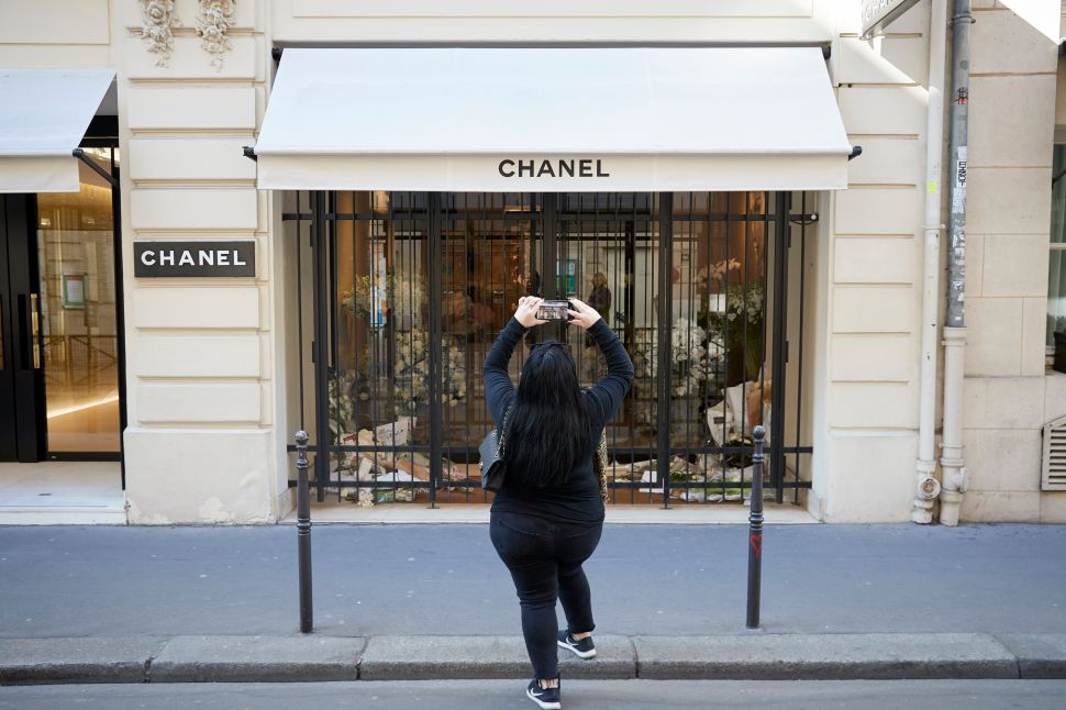 Chanel doesn't sell its products online, but it's still in lockstep with the e-commerce revolution.