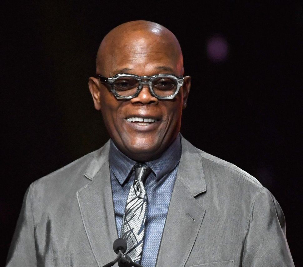 Samuel L. Jackson wears a bespoke pair of horn eyeglasses handcrafted by Max Shustovskiy at the CinemaCon Big Screen Achievement Awards on April 26, 2018.