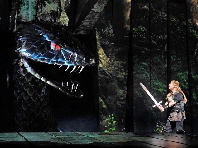 Siegfried (Stefan Vinke) goes one on one with the dragon Fafner.