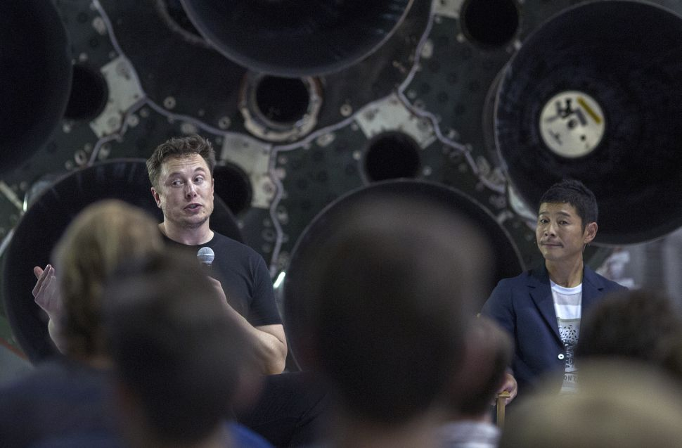 Yusaku Maezawa has signed up to be SpaceX's first moon traveller.