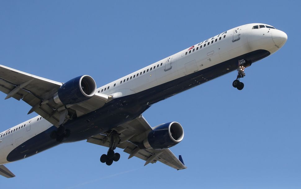 Delta begins to test out free in-flight Wi-Fi this month.