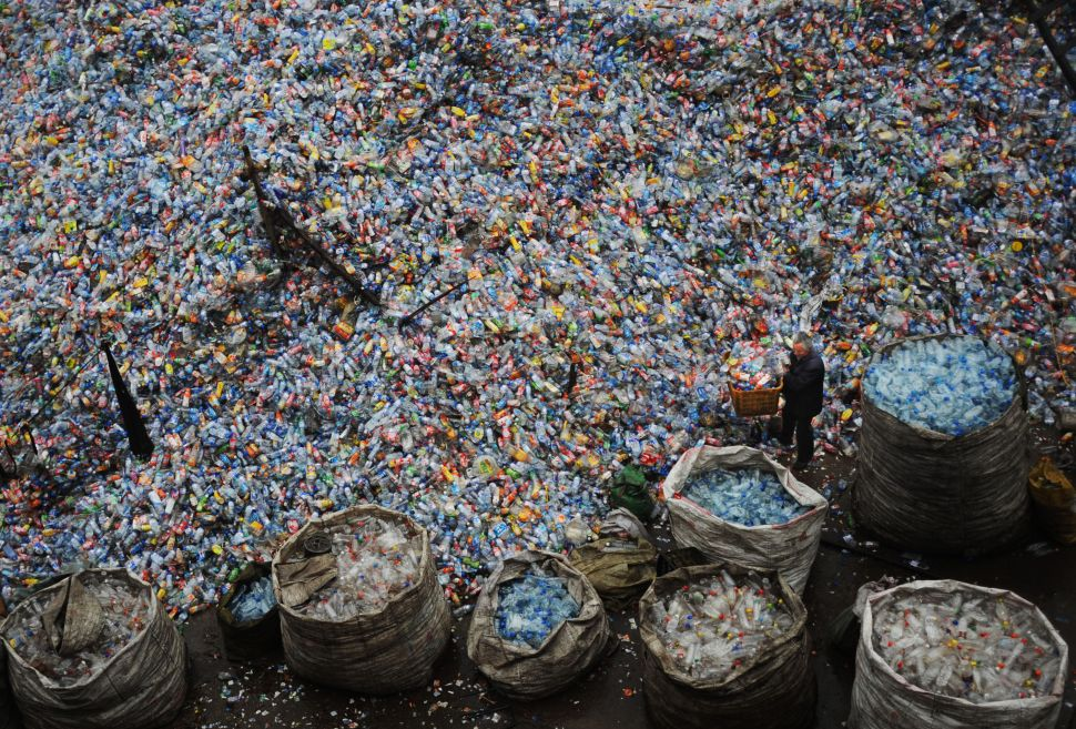 recyclicng plastic