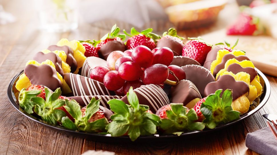Edible Arrangements introduces CBD-infused edibles.