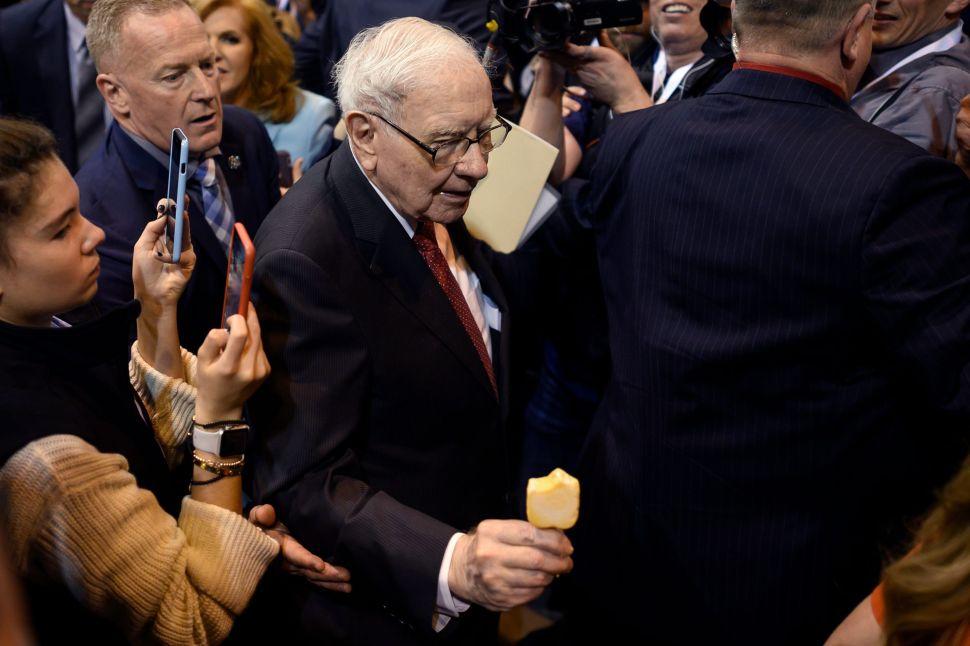 "Warren Buffett is looking for an ""elephant-sized"" acquisition, but he hasn't found one yet."