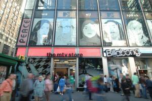 1515 Aeropostale to Take Old MTV Studio Space in Times Square