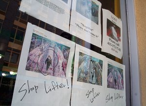 33 33 shoplifterstore03 z Billyburg Shop Uses Public Shame to Stop Shoplifting