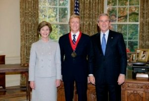 leslie keno and president bush In Deed! Keno Out at CPW Castle; Brazilians Swap in Lenox Hill; Gluck Flips Mitchell Llama