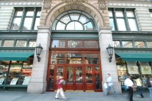 tjs Trader Joes Stakes Claim on Sixth Avenue