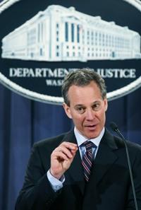 schneiderman Offering Plans Will Go Digital: AG