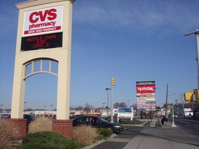 dscf5070 Staten Island Shopping Center Gets $18M Loan